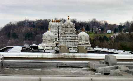Venkateswara Temple Pittsburgh © PittsburghIndia.com